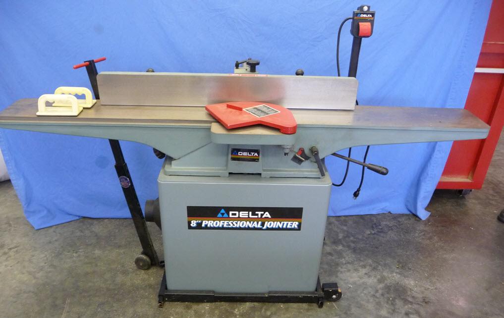 tools2-1018x642